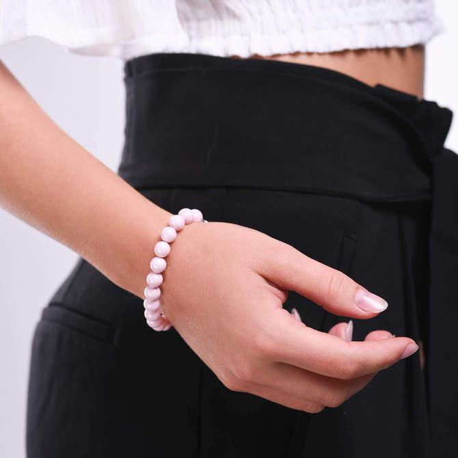 Damsky-perlovy-naramek-ruzove-perly-z-krystalu-Swarovski-bile-zlato-ruka.jpg