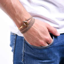 Naramek-s-kotvou-hnedy-namornicky-provazek-kotva-zlato-ruka.jpg