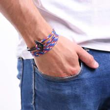 Naramek-s-kotvou-namornicky-silny-provazek-kotva-matna-cerna-ruka.jpg