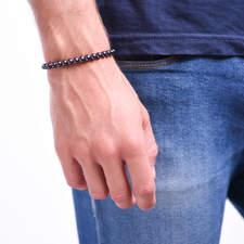 Pansky-koralkovy-naramek-magneticky-hematit-bile-zlato-ruka.JPG